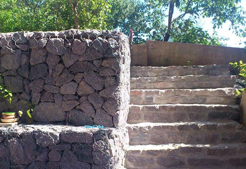 Подпорные стены лестницы