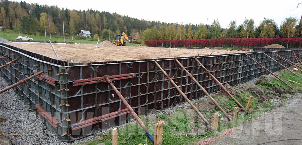 подготовка к заливке бетона подпорной стены