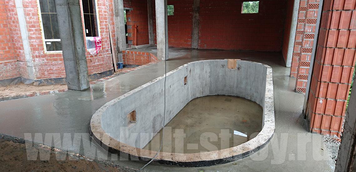 заливка бетоном территории вокруг бассейна