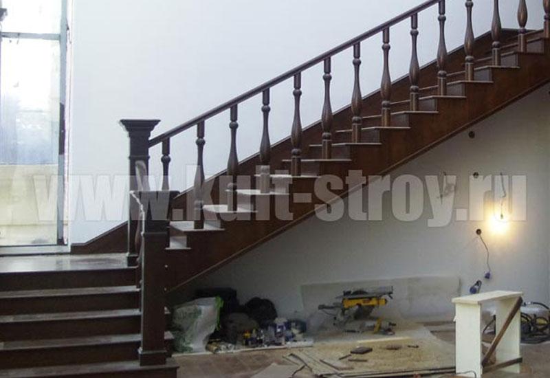 деревянная лестница классика модель 2