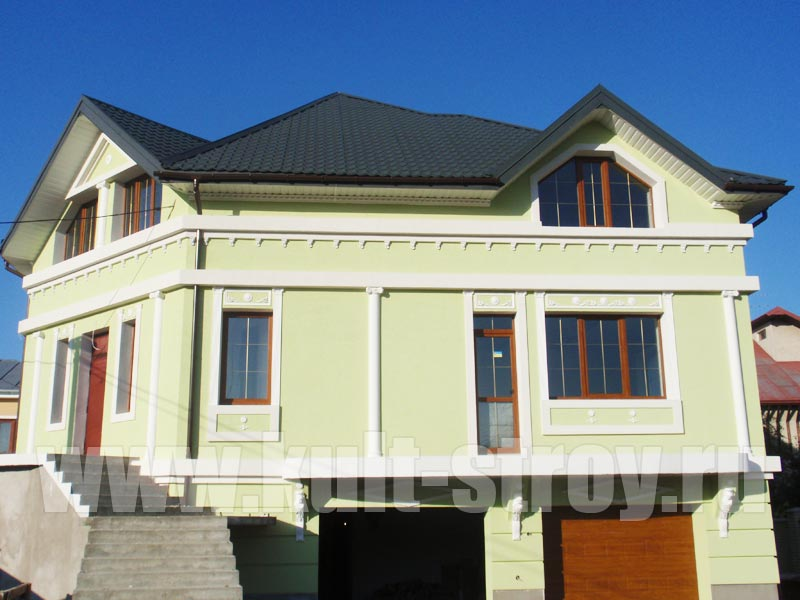 покраска дома в зеленый цвет