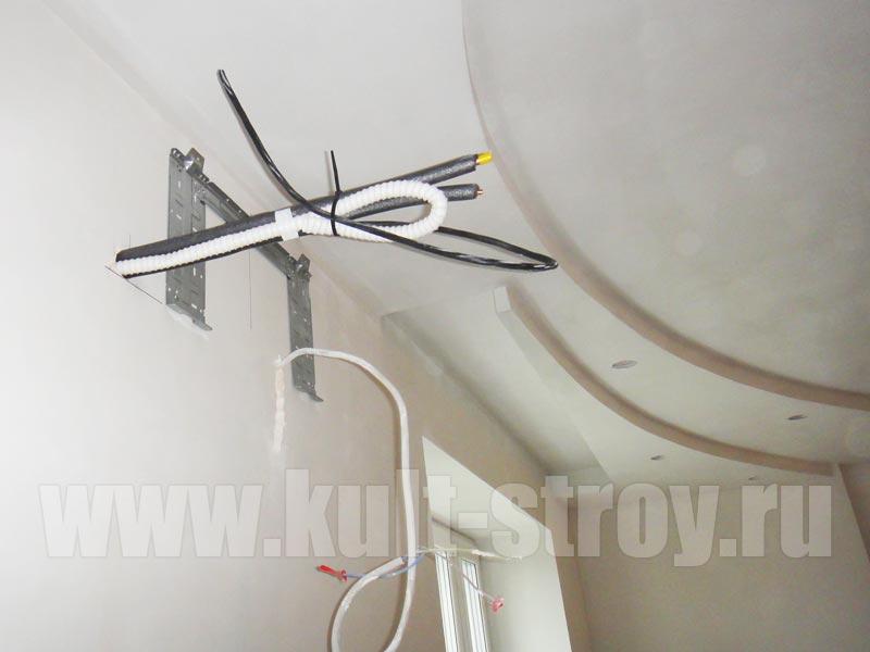 отделка потолка с проведением эликтрического кабеля